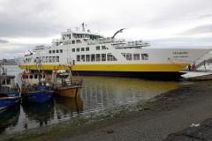 De veerboot die vaart tussen Porvenir en Punta Arenas