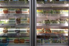 Het aanbod van vegetarische- en veganistische vleesvervangers verbaast ons in positieve zin